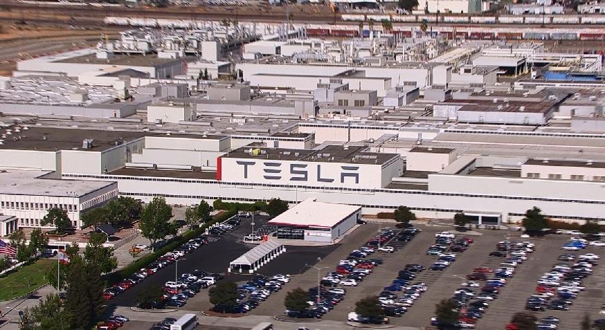 http://insideevs.com/wp-content/uploads/2014/03/Tesla-Fremont-HQ-2.jpg